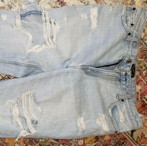 Distressed boyfriend/girlfriend jeans